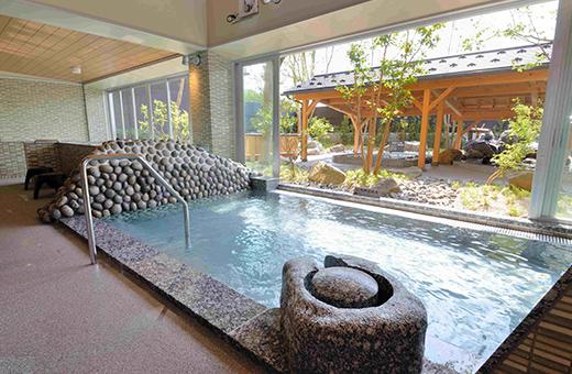 露天感覚の大浴場 満天の湯